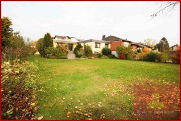 Schöner Eckbungalow mit großem Garten und Garage, naturnah gelegen, 50127 Bergheim / Quadrath-Ichendorf, Einfamilienhaus