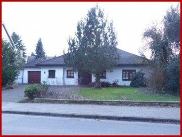 Schönes, geräumiges Haus mit sechs Zimmern in Neuss (Rhein-Kreis), Korschenbroich, 41352 Korschenbroich, Bungalow